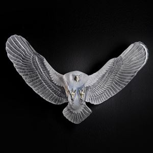 wall-mounted art glass sculpture of an eagle in white and gold