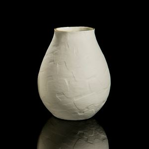 porcelain decorative vase sculpture with rounded bottom