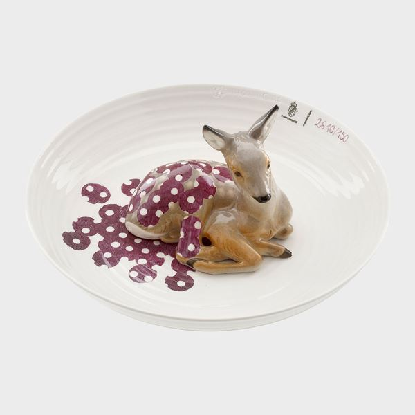 porcelain decorative art bowl with model of a fawn sat in centre