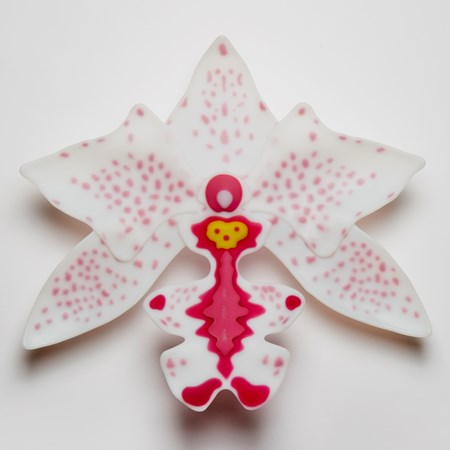 star shaped sculpted glass artwork for wall mounting in white, pink and light red